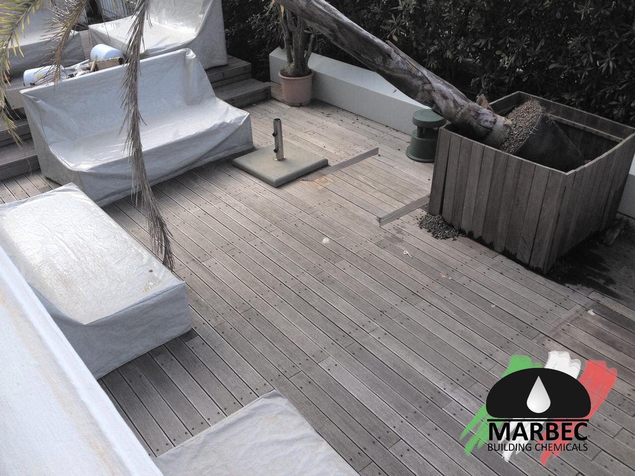 Pavimento Esterno Legno : Recupero e trattamento di un pavimento esterno in legno