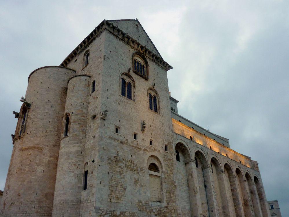 La cattedrale di Trani, costruita in pietra di Trani