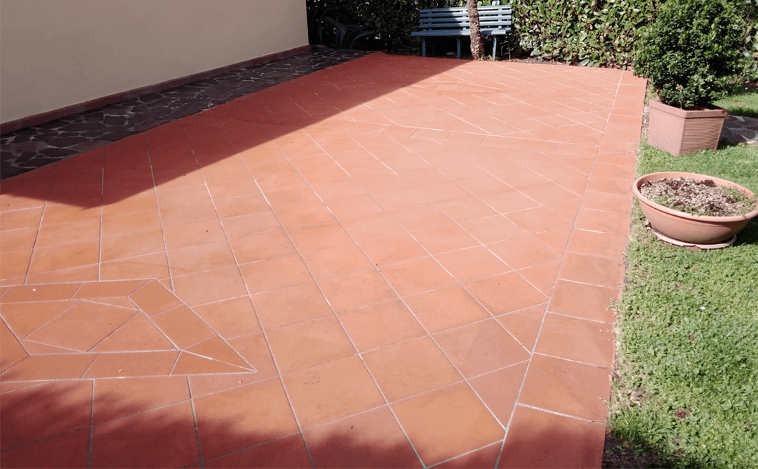 come-pulire-pavimenti-in-pietra-esterni clean outdoor stone floors