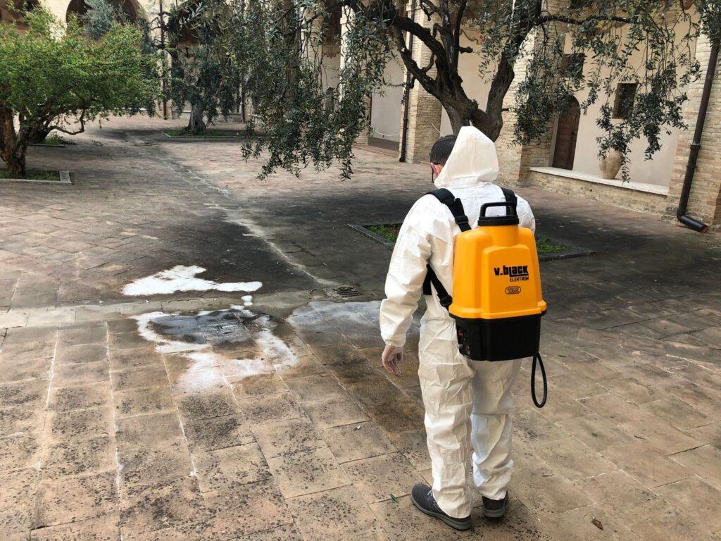 pulizia pavimento cotto linea aperta